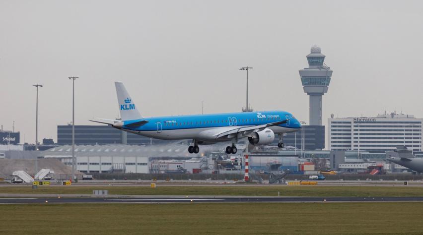 KLM Cityhopper E195-E2 Schiphol