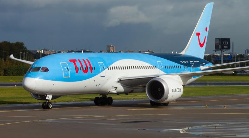 TUI fly 787