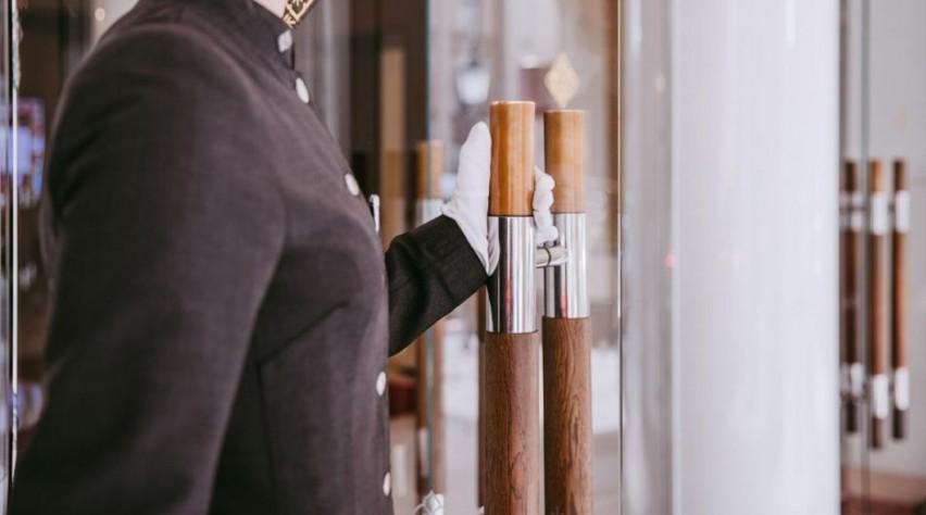 Kempinski Witte Handschoenen Service