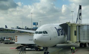 Iran Air A330-200 op Schiphol