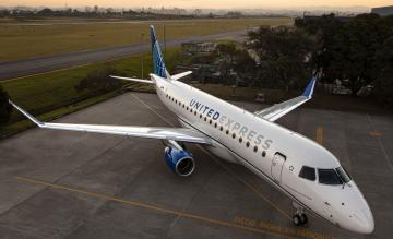 United Embraer E175