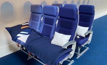 Lufthansa Sleeper Row