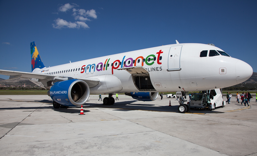 Small Planet Airlines Airbus A320